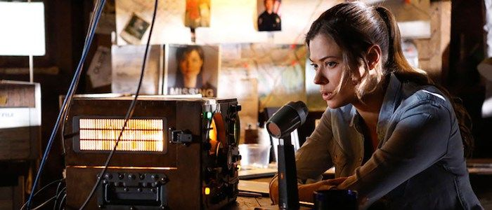 Interview: 'Frequency' Showrunner Jeremy Carver on the Rules of Time Travel and Expanding on the Movie http://filmanons.besaba.com/interview-frequency-showrunner-jeremy-carver-on-the-rules-of-time-travel-and-expanding-on-the-movie/  At Comic-Con, we spoke with Jeremy Carver, the creator of The CW's Frequency TV series, about gender-swapping the 2000 movie to make the show a father/daughter story. When Carver attended a Television Critics Association party over the summer, we got to go…