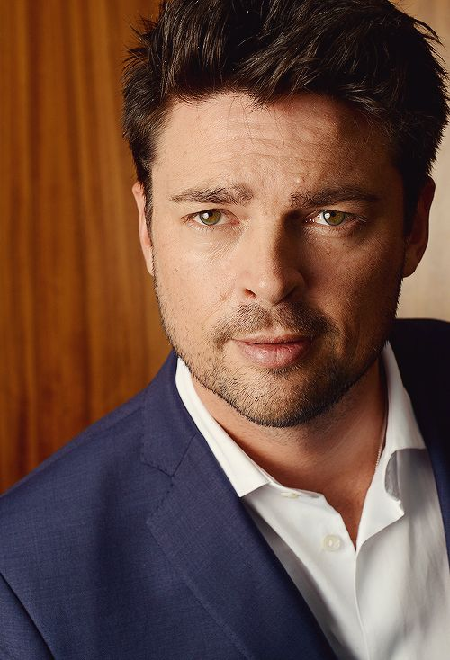 29 best images about karl urban on pinterest pine young man and urban. Black Bedroom Furniture Sets. Home Design Ideas