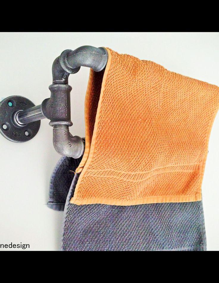 Porte-serviettes en tube acier ,Salle de bain ,Ameublement industriel de la boutique JUSTOINEDESIGN sur Etsy