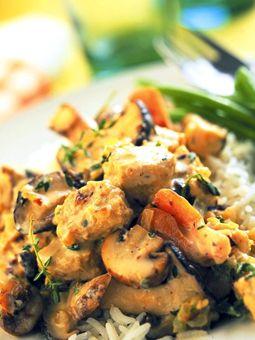Lite Quorn™ Stroganoff 35 Minutes 35 Minutes Serves 4 2 Tbsp. vegetable oil 1 lg. onion, finely chopped 2 cups mushrooms, sliced 2 tsp. fresh thyme 1 ½ cups Quorn™ Chicken-Style Tenders 1 cup vegetable broth, divided 2 tsp. paprika 1-2 Tbsp. wholegrain or Dijon mustard 3 tsp. cornstarch 3 Tbsp. plain yogurt salt & pepper, to taste
