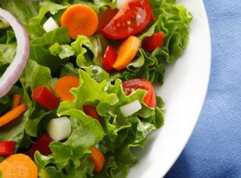 Диетические салата и их калорийность