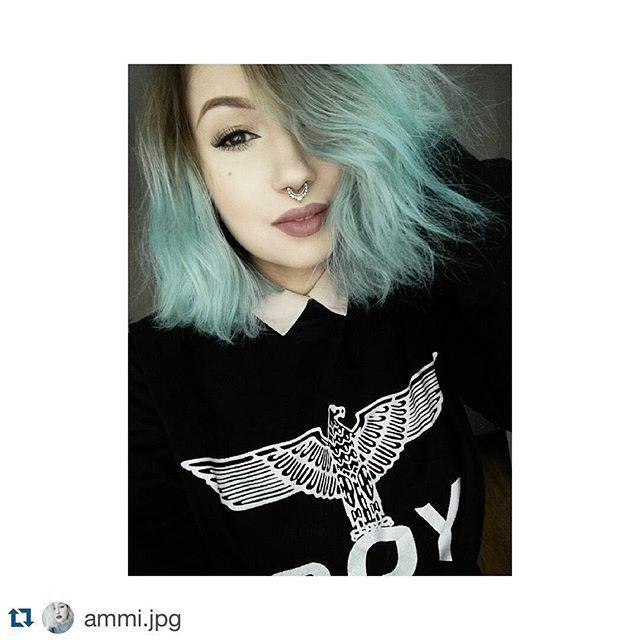 #Repost @ammi.jpg ・・・ mermaid hair is back #selfie #selca #finnishgirl #dyeddollies #bluehair #kuopio #pan #trash #boylondon #turquoisehair #hermansprofessional #vegan #hermanshaircolor #hairdye #hermansamazinghaircolor @hermansprofessional @cybershopinsta