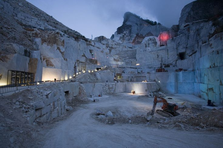 Bacino di Gioia, cave di Carrara #invasionidigitali #liberiamolacultura #invadicarrara