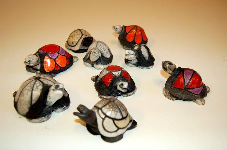 Le ceramiche di Enrica Malvone - vasi in raku, scacchiere, teiere, pannelli ceramici, mattonelle, animali in raku, corsi raku a Roma