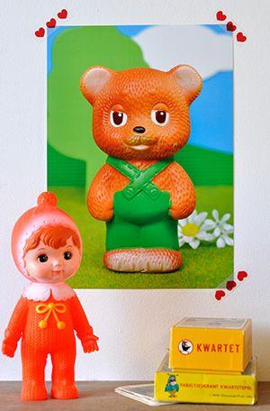 Popjes Art poster. Vintage USSR rubber beertje. www.popjesartshop.nl/nl/posters