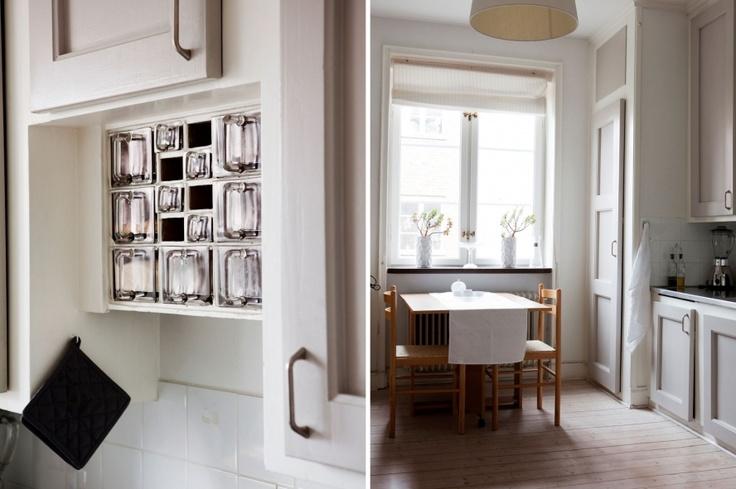 Glass drawers: http://www.byggfabriken.com/sortiment/inredning/koeksinredning/info/produkter/231-101-glaslaada-boet/
