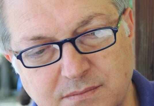 """✔ Γεράσιμος Δενδρινός:""""Να θυμάσαι ότι τα πάντα είναι και θα παραμείνουν πλάνη"""" (Ε. Μ. Σιοράν) #book #writer #interview #vivlio http://fractalart.gr/gerasimos-dendrinos-interview/"""