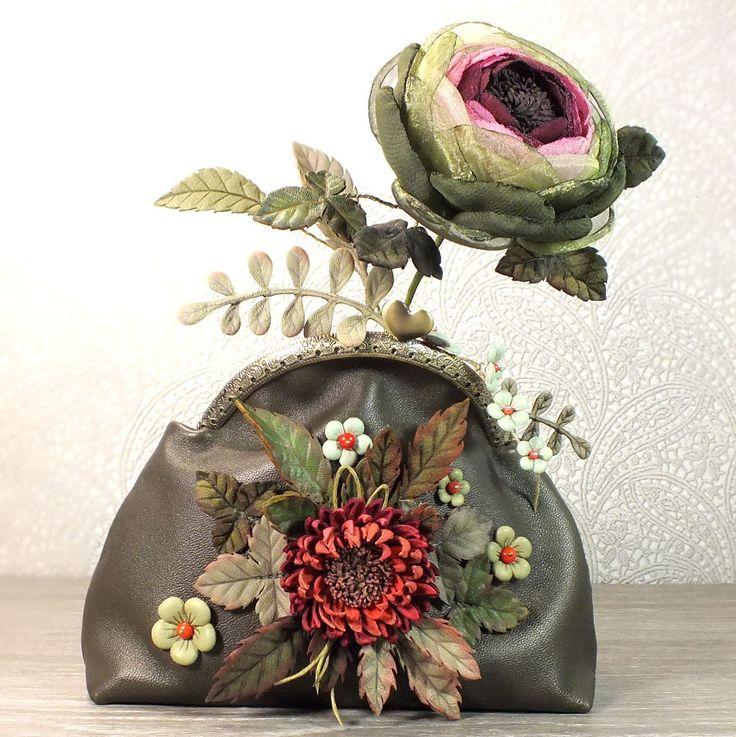 Купить Косметичка или мини-сумка из натуральной кожи. Лес Ягодных Закатов - комбинированный, цветочный