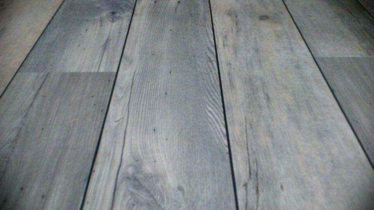 Biesje tussen de pvc zodat het nog meer op echt hout lijkt.