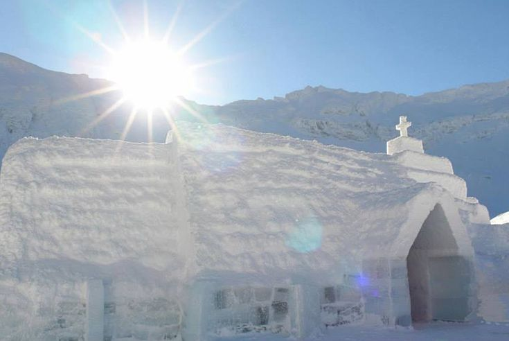 4nt Transylvania Tour & Ice Hotel Stay...if only i had the money right now this would be perfect!