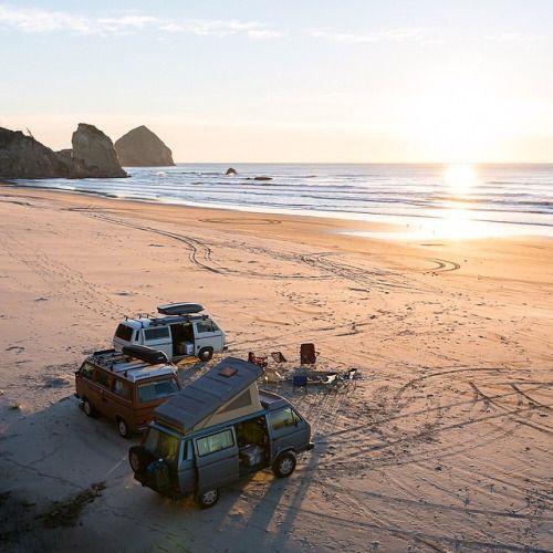 les 42 meilleures images du tableau les campingcars tout terrain sur pinterest 4x4 v hicule. Black Bedroom Furniture Sets. Home Design Ideas