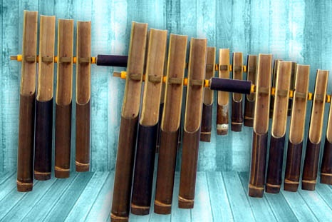 Calung is a Sundanese musical instrument is a prototype (prototype) of the angklung.