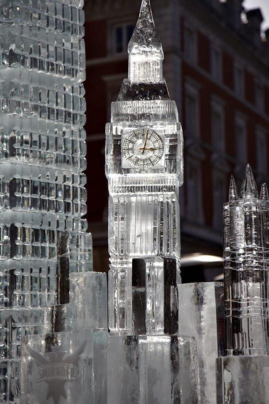 """BIG BEN"" London Ice Sculpture in Covent Garden on http://blog.visitlondon.com ♡ ~ Ʀεƥɪииεð╭•⊰✿ © Ʀσxʌиʌ Ƭʌиʌ ✿⊱•╮"