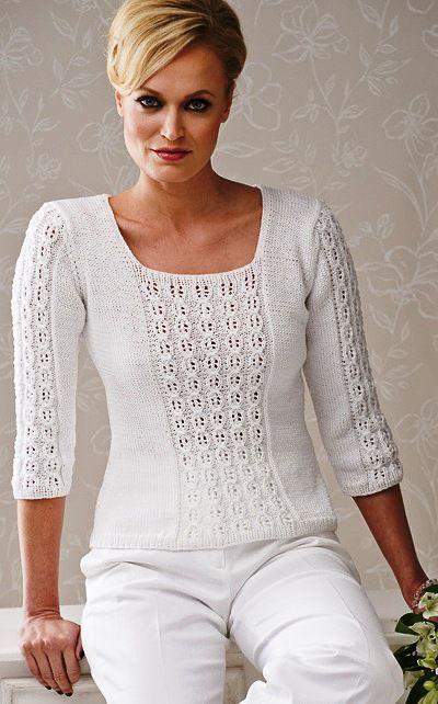 Белый пуловер спицами с ажурно