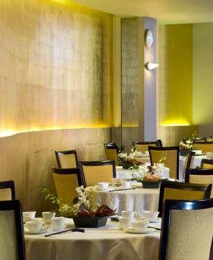interior of royal china baker street - Beaded Inset Restaurant Interior