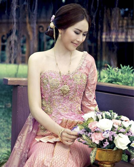 Thai Wedding Gowns: 143 Best Images About THAI TRADITIONAL DRESS On Pinterest