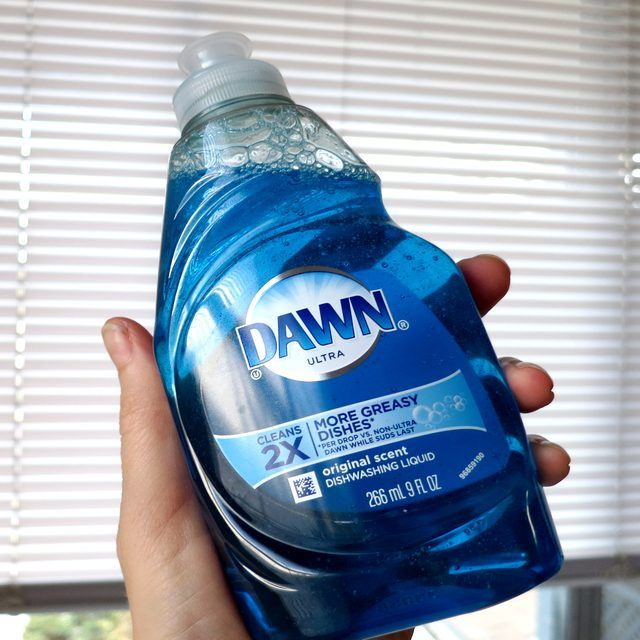 Dawn and Vinegar for Cleaning Blinds