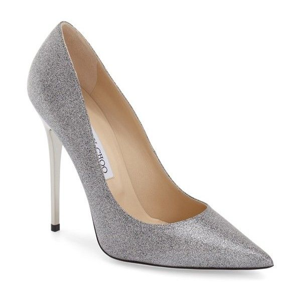 Jimmy Choo 'Anouk' Glitter Pointy Toe Pump (5.460 NOK) ❤ liked on Polyvore featuring shoes, pumps, silver glitter leather, leather pointed toe pumps, jimmy choo pumps, leather shoes, pointed-toe pumps and glitter stiletto pumps