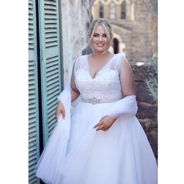 17 best images about brautkleider plus size on pinterest for Plus size wedding dresses utah