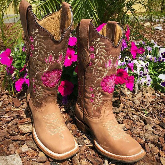 64b05f43 Shop online www.elpotrerito.com for La Morena boots | VAQUEROS in ...