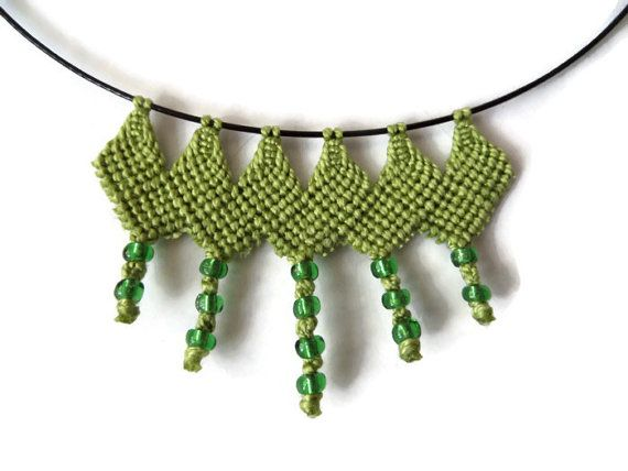 black steel necklace with green macrame element by Kreativprodukte