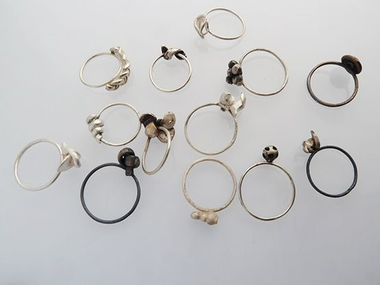 Varios anillos en plat 0.925 de Juanita Velez.