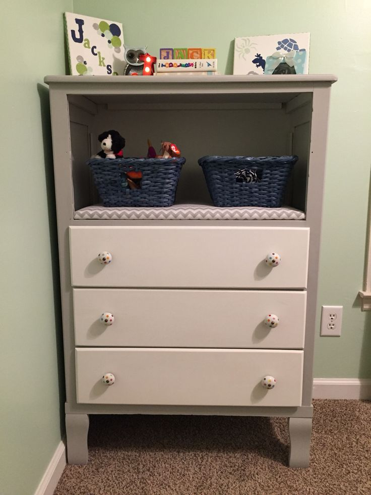 Dresser with broken drawers removed.