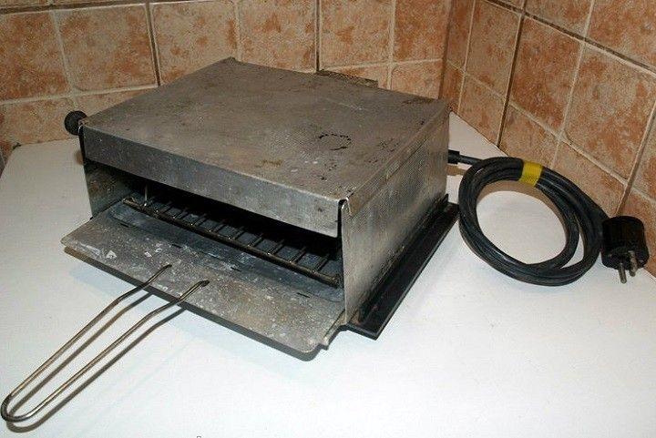 Ilyen kapacitású melegszendvicssütőt nem igen kapni mostanság. Ez egy világbajnok 30 - 40 évre berendezkedett változat,... - MindenegybenBlog