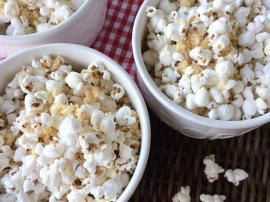 Homemade White Cheddar Popcorn - The Preppy Hostess