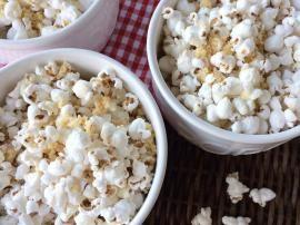 Homemade White Cheddar Popcorn - The Preppy Hostess