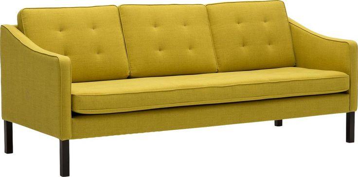 Barrows in fijn geweven stof in de kleur geel is een exclusief Scandinavisch design. De Deense ontwerpers schetsten een stijlvolle bank met ranke poten en een trendy biesafwerking, en zijn daar helemaal in geslaagd! De vulling van polyether afgedekt met dacron en de diepe zit zorgen voor een actieve comfortabele zit. Deze 3 zits is een ruimte besparend model en door de hoge poten gemakkelijk om onder te stofzuigen. De keerbare kussens maken Barrows nog gebruiksvriendelijker doordat een…