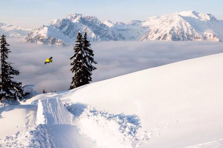 Filippo Kratter is defenately one of our favourite  riders!!! Throwing hammers in Arlberg!! Big up Fil! Ph: Roby Bragotto   #Austria #powder #mountains #snowboard #kratter #funky