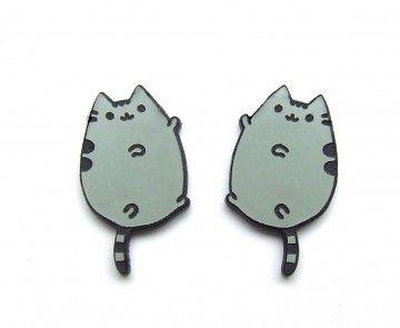 Kolczyki typu wkrętki pusheen księżycowy kot