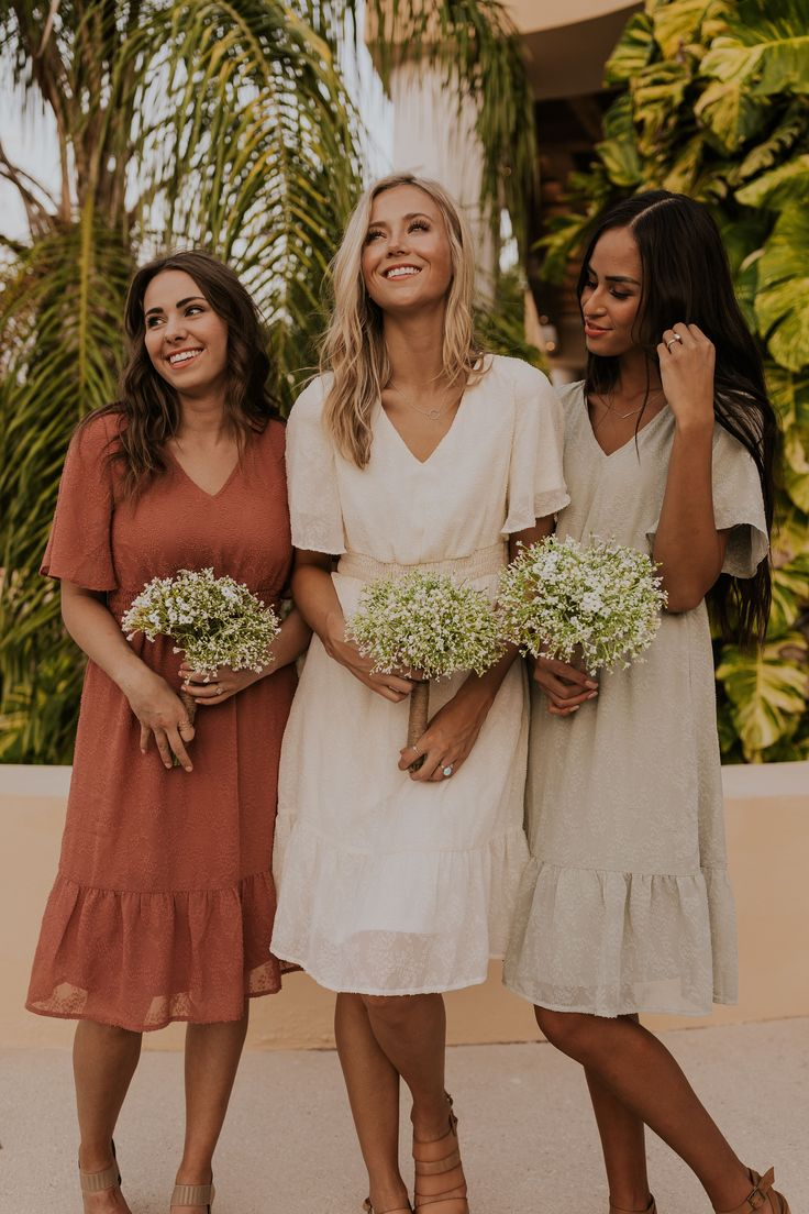 Bridesmaid Dress Guide for Every Wedding Style | Casual bridesmaid dresses, Casual bridesmaid, Simple bridesmaid dresses
