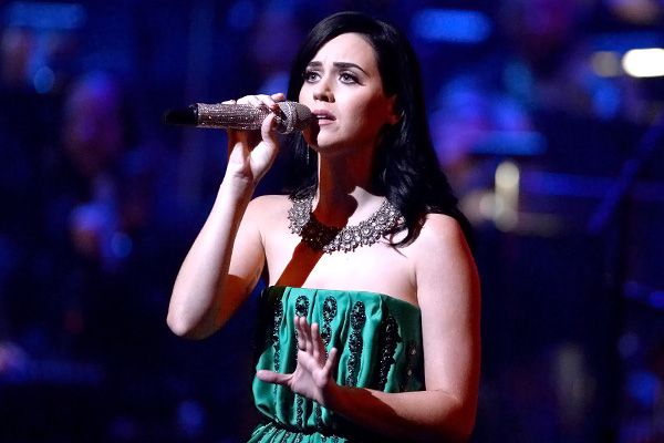 Love this new single by Katy Perry   -Roar-