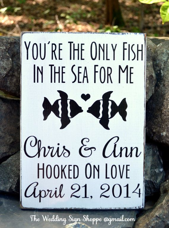 Beach Wedding Sign Personalized Beach Wedding Gift Outdoor Lake Rustic Fish Theme Only Fish In Sea Hooked On Love Wooden Sign Nautical Decor Wedding Signage Country Hand Painted