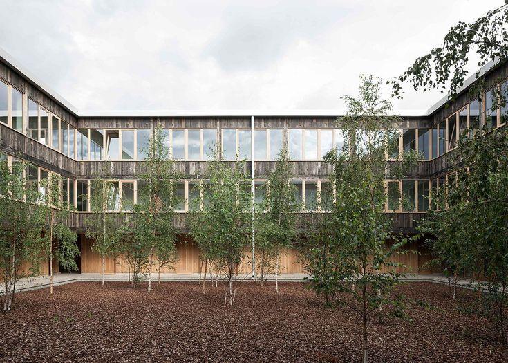 6a . Churchill College . Cambridge (20)