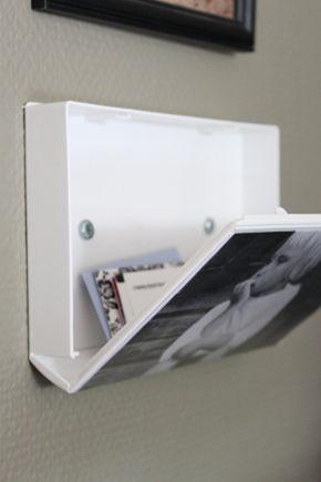 Alte VHS-Kassetten als Wandschmuck inklusive Stauraum