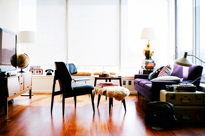 glamourai: Colors Pallets, Cozy Condos, Couch, Favorite Colors, Hardwood Floors, Color Pallets, Amazing Offices, Chic Interiors, Retro Lounges