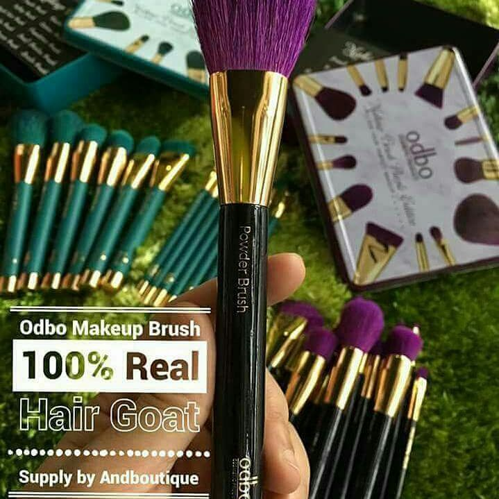 MAKEUP BRUSH ��Odbo Original ��Bulu Kambing ✔ Made In Korea ✔ Produk Berkualiti  15 pcs / 1 box Powder Brush Blusher Brush Buffing Brush Countor Brush Angled Face Brush Foundation Brush Fluffy Shadow Brush Small Shadow Brush Blending Brush Crease Brush Spoolie Brush  RM85 Postage RM8sm/RM12ss  Whatsaap jika berminat.. ��013.2726232  #brush #brushodbo #brushbulukambing #muamalaysia #makeup #makeupartis #MUA http://ameritrustshield.com/ipost/1550397897307076597/?code=BWEHqxZgDf1