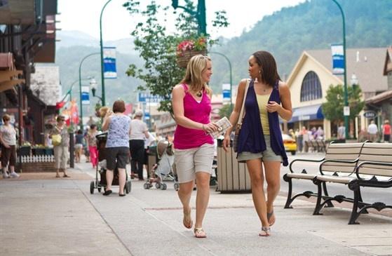 Gatlinburg, TnMountain Vacations, Favorite Places, Beautiful Places, Smokey Mountain, Gatlinburg Tn, Gatlinburg Tennessee, Smoky Mountain, Gatlinburg Coupon