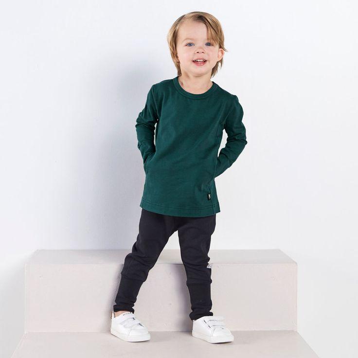 FRED taskupusero ph, vihreä | NOSH verkkokauppa | Tutustu nyt lasten syksyn 2017 mallistoon ja sen uuteen PUPU vaatteisiin. Ihastu myös tuttuihin printteihin uusissa lämpimissä sävyissä. Tilaa omat tuotteesi NOSH vaatekutsuilla, edustajalta tai verkosta >> nosh.fi (This collection is available only in Finland)