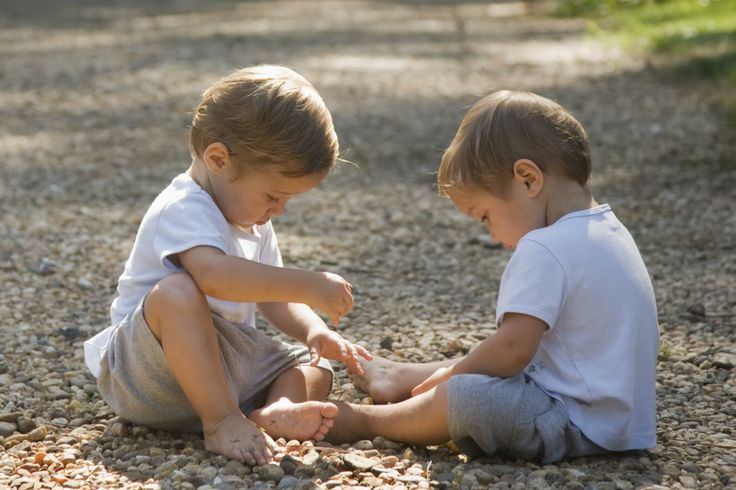 10 Surprising Facts About Fraternal Twins