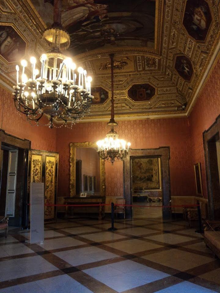 Palazzo Reale di Napoli Piazza Del Plebescito.