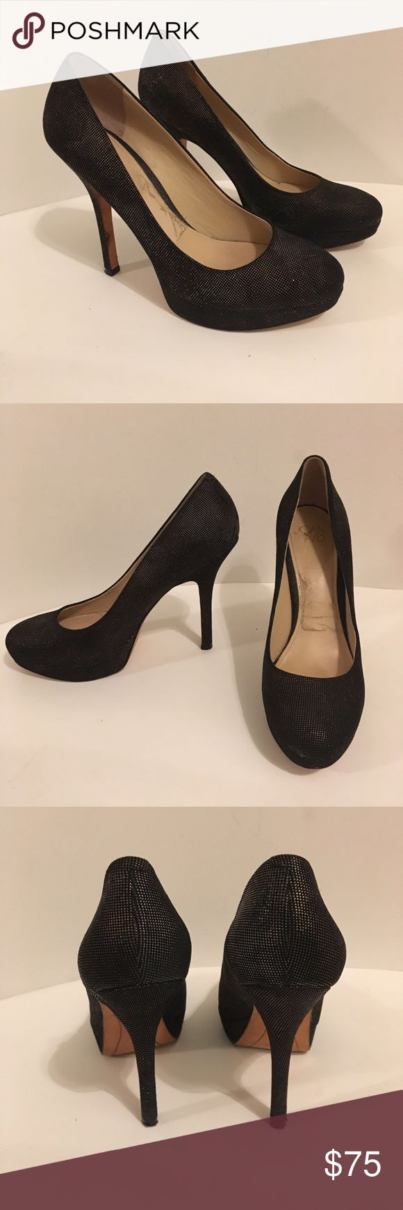 Joan & David Black Sparkle Platform Heels 👠 Sz 8 Gently worn Joan & David pumps with platform style heel. Material is a black and gold sparkle texture with a leather sole. Really beautiful shimmer shoes for a party! Size 8 Joan & David Shoes Heels