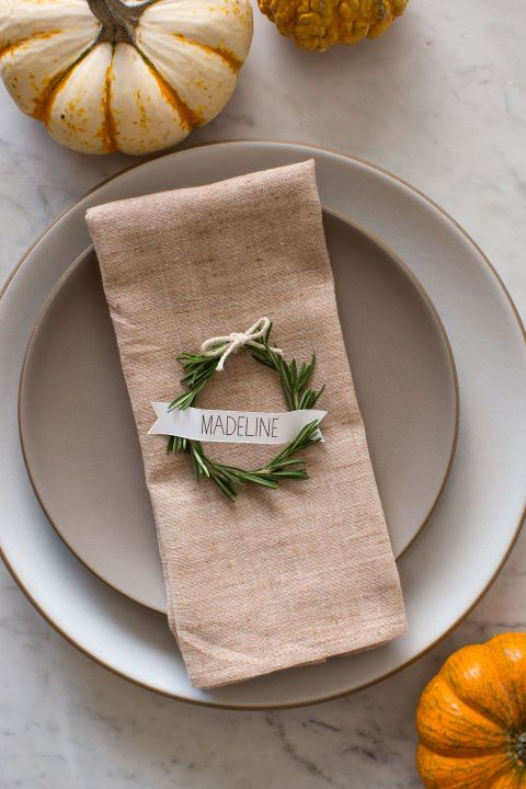 These perfectly circular wreaths will give your Thanksgiving table an elegant touch.  Get the tutorial at Spoon Fork Bacon.