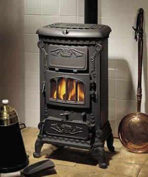 die besten 25 kaminofen gusseisen ideen auf pinterest grillofen gusseisenfeuergrube und. Black Bedroom Furniture Sets. Home Design Ideas