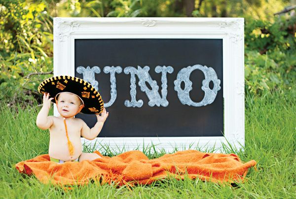 First birthdays are always an exciting event, and what better theme for your little one's first birthday than a FIESTA?! | Photo: @hwtm