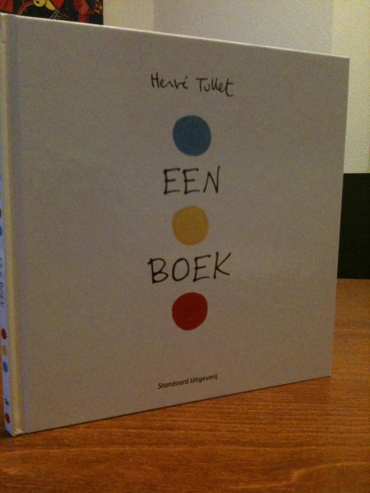 Een boek van Herve Tullet is een aanrader! Een echt interactief kinderboek