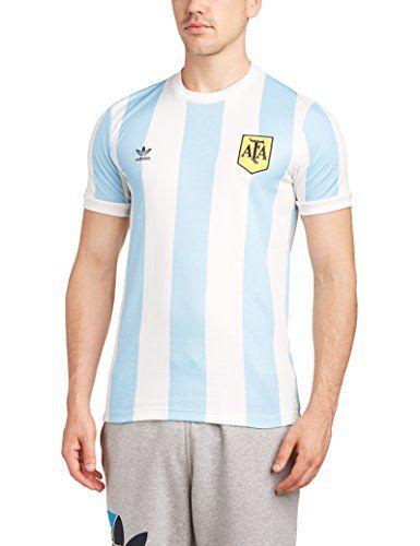 Camiseta retro de la equipación de fútbol de Argentina. Marca Adidas. Color azul cielo confranjas blancas y el escudo de Argentina en amarillo bordado en el lateral superior izquierdo. Talla L.    Elige la talla en caja